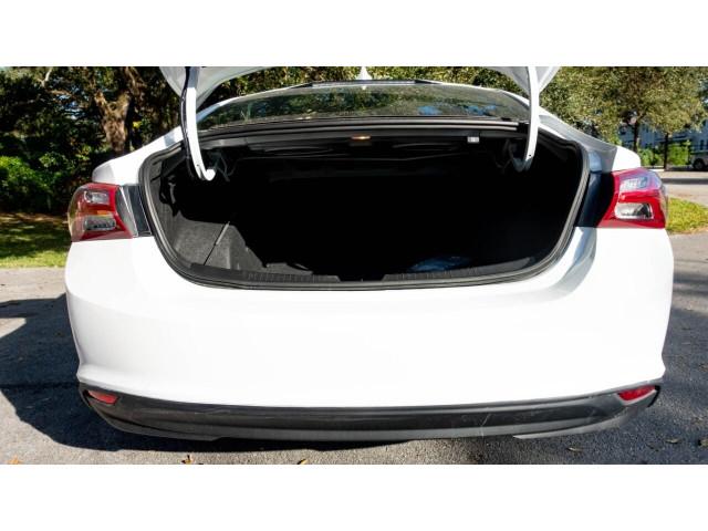 2020 Chevrolet Malibu LT Sedan - 504964W - Image 17