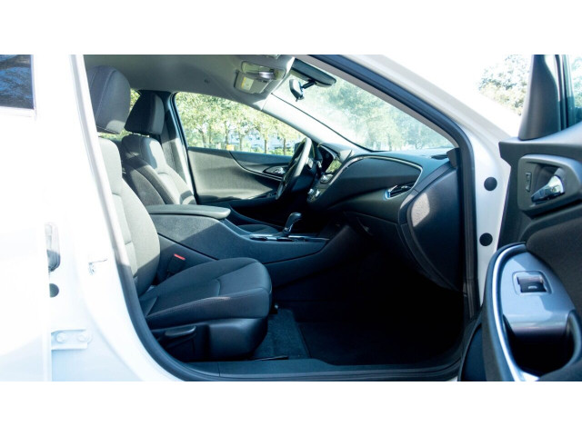 2020 Chevrolet Malibu LT Sedan - 504964W - Image 29