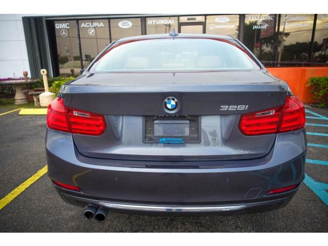 2014 BMW 3 Series 328i SULEV Sedan - 106497j - Image 13