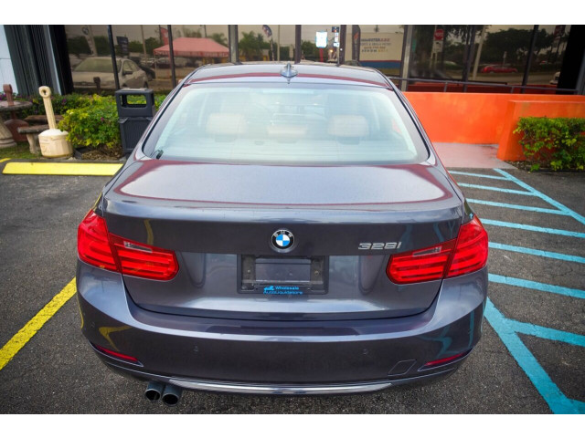 2014 BMW 3 Series 328i SULEV Sedan - 106497j - Image 17