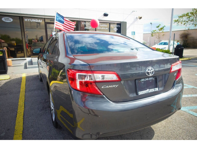 2013 Toyota Camry LE Sedan - 245107 - Image 19