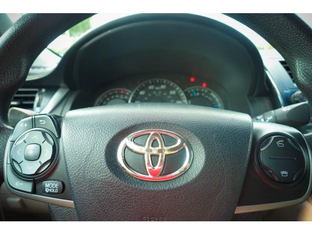 2013 Toyota Camry LE Sedan - 245107 - Image 21