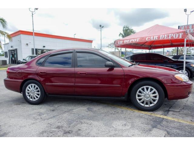 2005 Ford Taurus SE Sedan - 308252c - Image 15