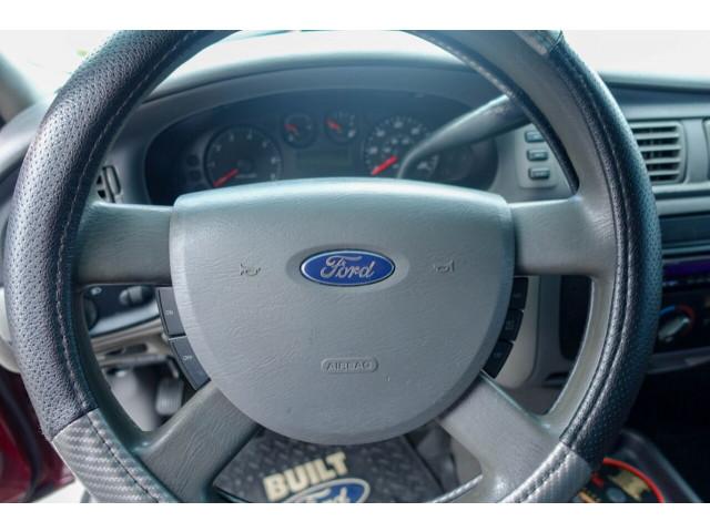 2005 Ford Taurus SE Sedan - 308252c - Image 22