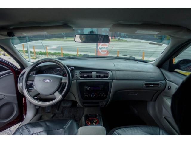 2005 Ford Taurus SE Sedan - 308252c - Image 24