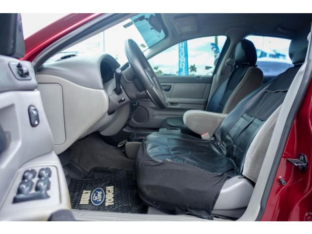 2005 Ford Taurus SE Sedan - 308252c - Image 26