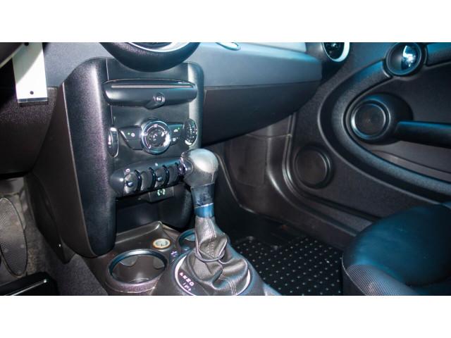 2011 MINI Cooper Base Hatchback -  - Image 23