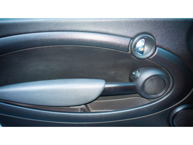 2011 MINI Cooper Base Hatchback -  - Image 30