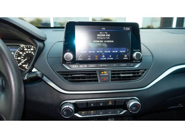 2020 Nissan Altima 2.5 S Sedan - 120435N - Image 26