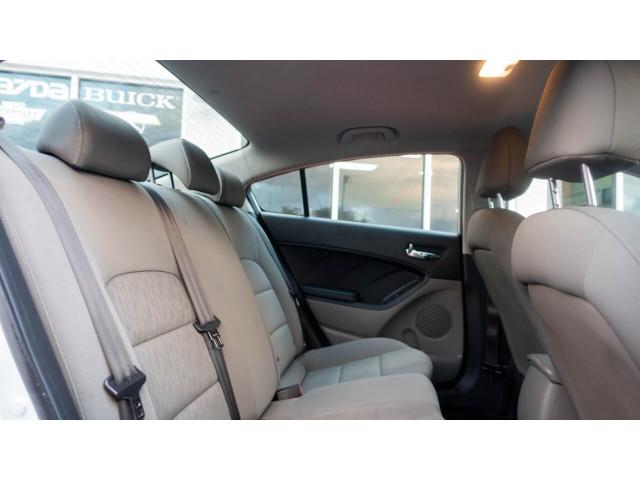 2016 Kia Forte LX 6A Sedan - 542868N - Image 25