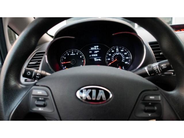 2016 Kia Forte LX 6M Sedan - 542868N - Image 17