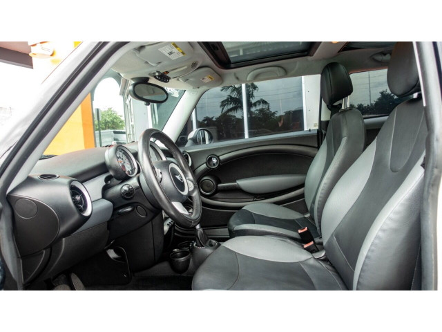 2010 MINI Cooper Base Hatchback - Z24450 - Image 17