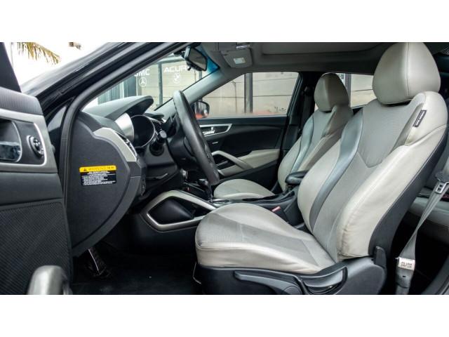 2013 Hyundai Veloster Base 6M Coupe - 089496C - Image 19