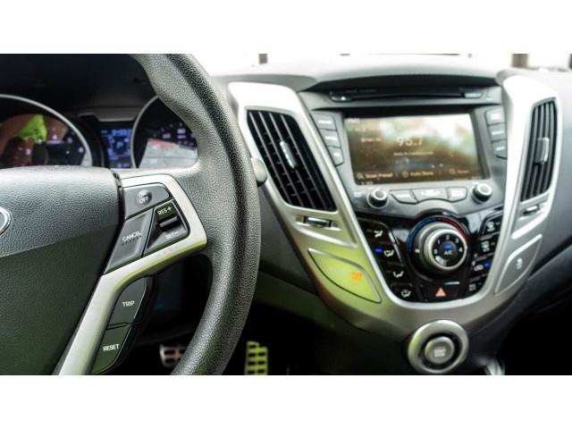 2013 Hyundai Veloster Base 6M Coupe - 089496C - Image 22