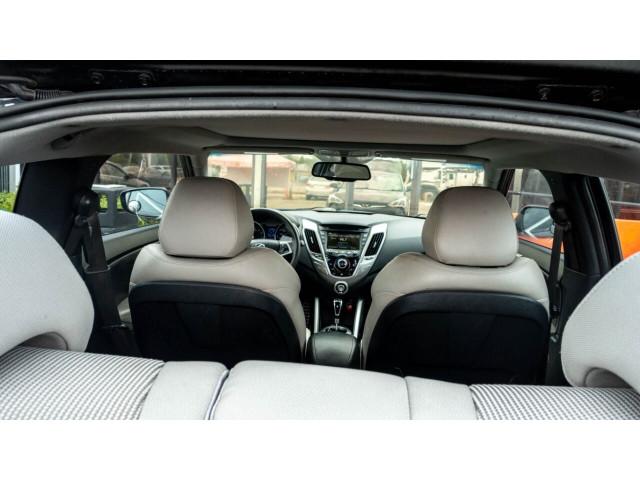 2013 Hyundai Veloster Base 6M Coupe - 089496C - Image 24