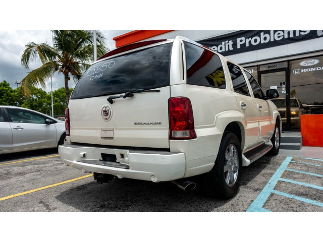 2002 Cadillac Escalade Base 2WD SUV - 243444C - Image 15