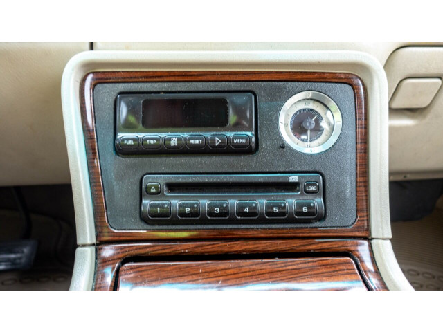 2002 Cadillac Escalade Base 2WD SUV - 243444C - Image 19