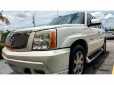 2002 Cadillac Escalade Base 2WD SUV - 243444C - Thumbnail 16