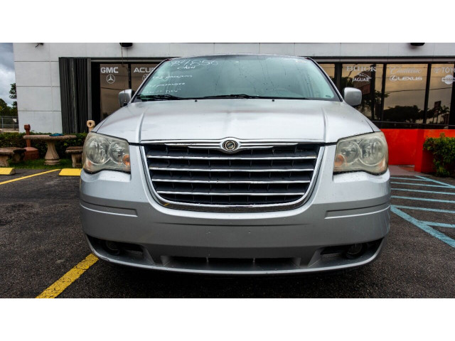 2008 Chrysler Town and Country Touring Minivan - 701480 - Image 3