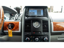 2008 Chrysler Town and Country Touring Minivan - 701480 - Thumbnail 10