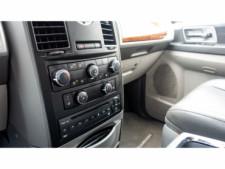 2008 Chrysler Town and Country Touring Minivan - 701480 - Thumbnail 17