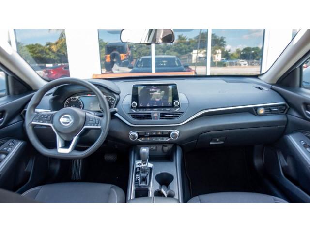 2020 Nissan Altima 2.5 S Sedan - 207229N - Image 22