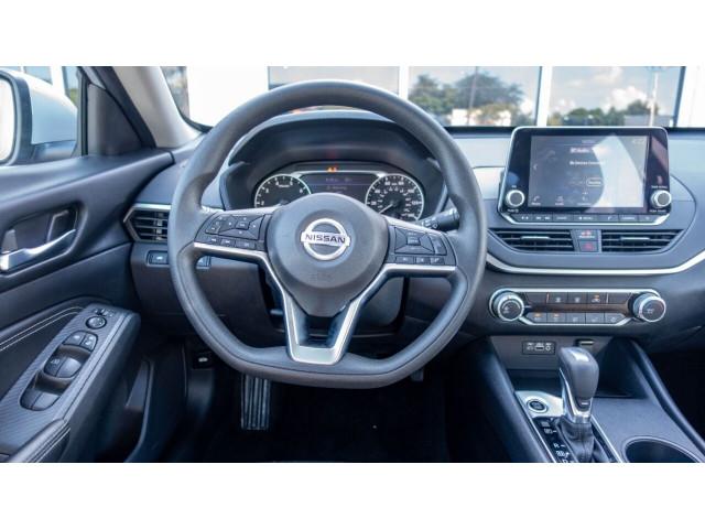 2020 Nissan Altima 2.5 S Sedan - 207229N - Image 23