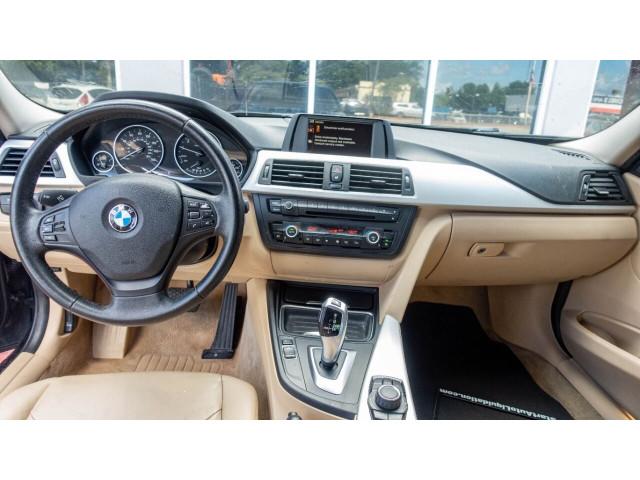 2012 BMW 3 Series 328i Sedan - 346817 - Image 25