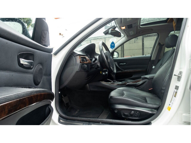 2011 BMW 3 Series 328i Sedan - N05456 - Image 16