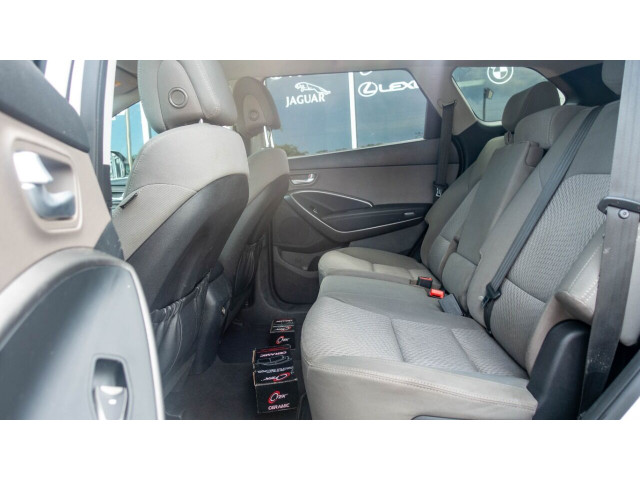 2015 Hyundai Santa Fe GLS SUV - 100688 - Image 17