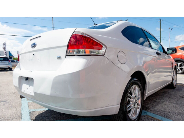 2008 Ford Focus SE Coupe - 193886C - Image 10