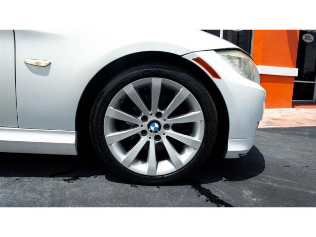 2011 BMW 3 Series 328i Sedan -  - Image 4