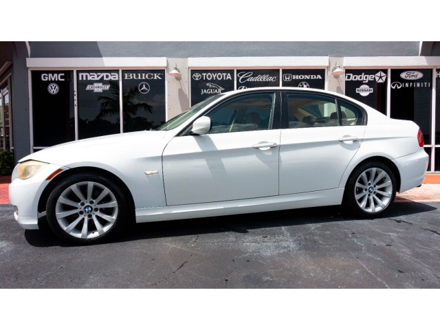 2011 BMW 3 Series 328i Sedan -  - Image 10