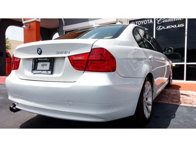 2011 BMW 3 Series 328i Sedan -  - Image 11