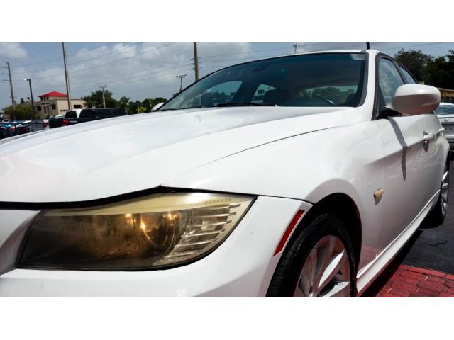 2011 BMW 3 Series 328i Sedan -  - Image 12