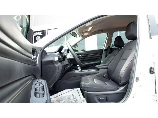 2020 Nissan Altima 2.5 S Sedan - 243674DC - Image 9