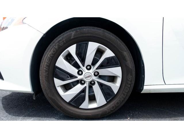 2020 Nissan Altima 2.5 S Sedan - 243674DC - Image 11
