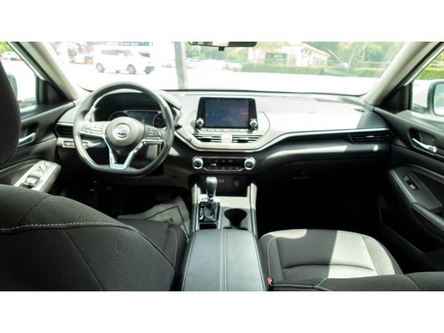 2020 Nissan Altima 2.5 S Sedan - 243674DC - Image 31