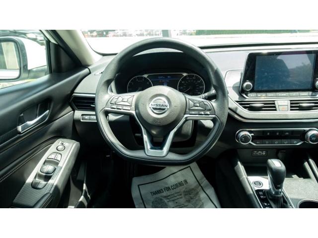 2020 Nissan Altima 2.5 S Sedan - 243674DC - Image 32