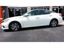 2020 Nissan Altima 2.5 S Sedan - 243674DC - Thumbnail 12