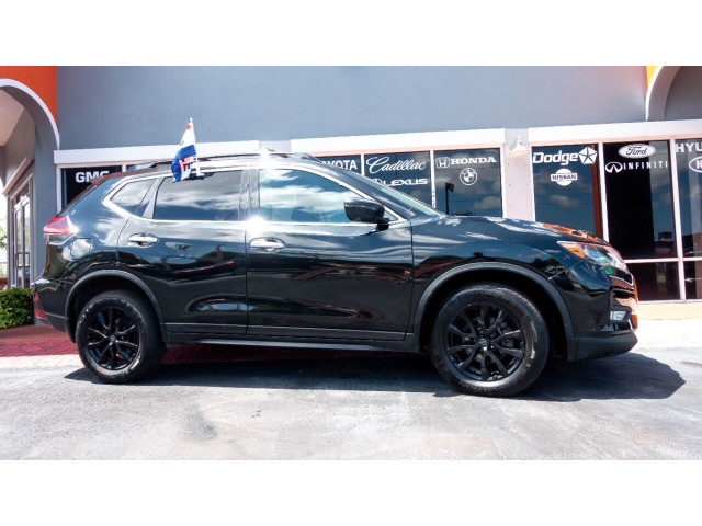 2018 Nissan Rogue SV Crossover - 820723DC - Image 1