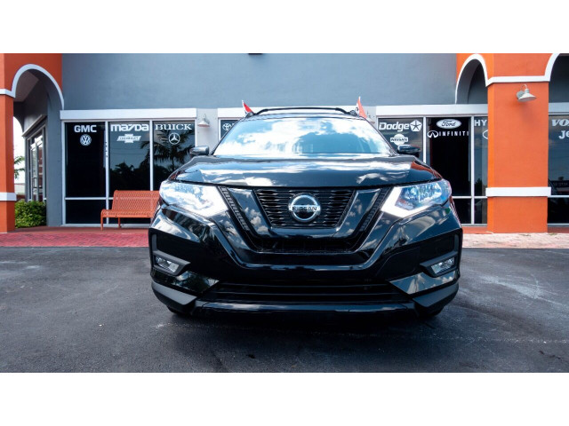 2018 Nissan Rogue SV Crossover - 820723DC - Image 2