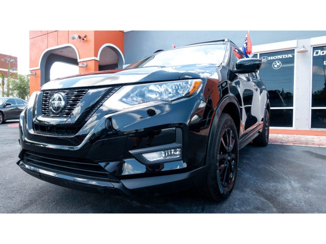 2018 Nissan Rogue SV Crossover - 820723DC - Image 3