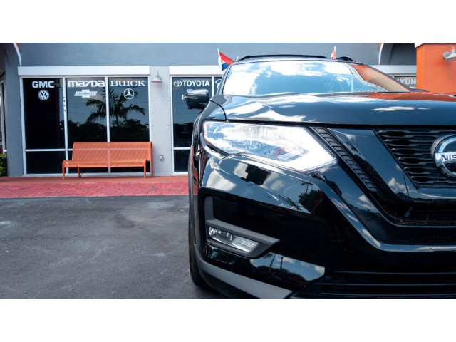 2018 Nissan Rogue SV Crossover - 820723DC - Image 4