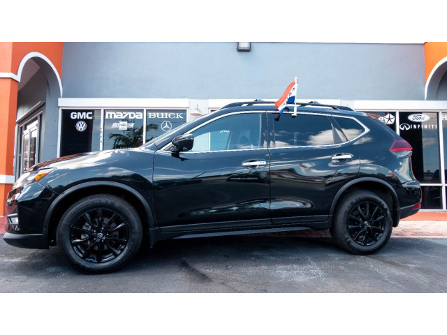 2018 Nissan Rogue SV Crossover - 820723DC - Image 6