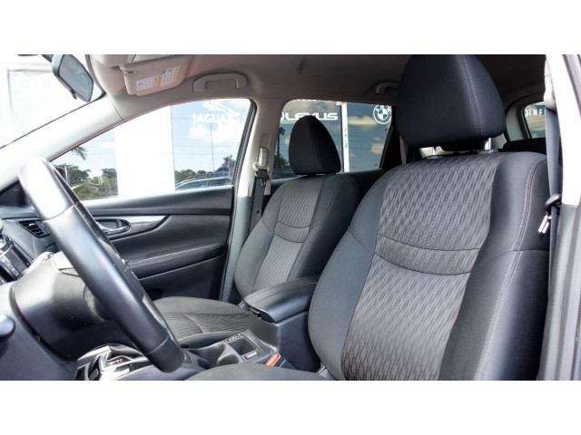 2018 Nissan Rogue SV Crossover - 820723DC - Image 15