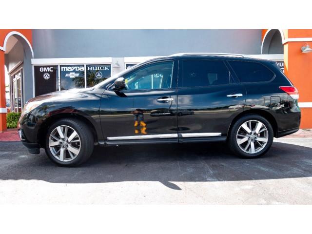 2013 Nissan Pathfinder Platinum 4x4 SUV - 636056 - Image 3