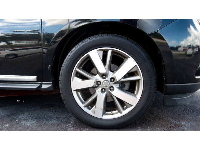 2013 Nissan Pathfinder Platinum 4x4 SUV - 636056 - Image 4