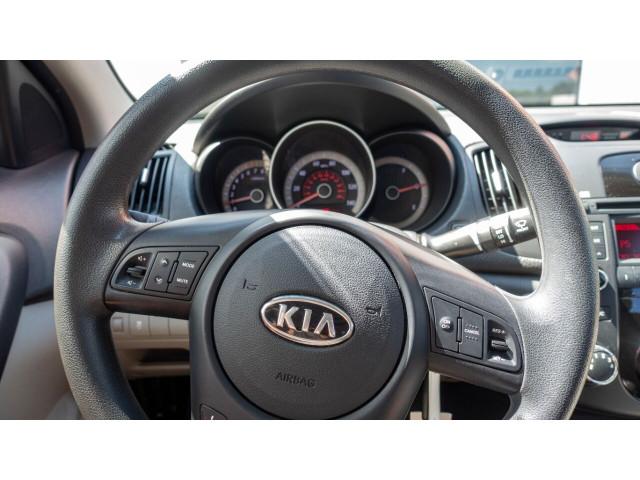 2010 Kia Forte EX 5M Sedan -  - Image 15