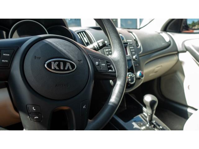 2010 Kia Forte EX 5M Sedan -  - Image 19
